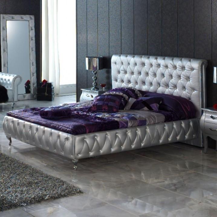 Thiết kế phòng ngủ thật sang trọng với màu bạc